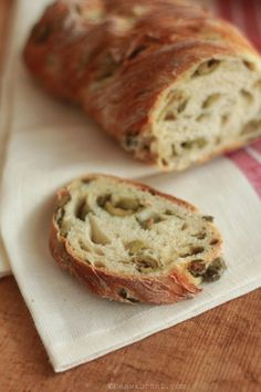 Chleb z oliwkami na Światowy Dzień Chleba