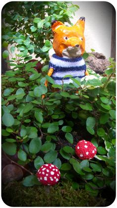 Créations en papier mâché Dinosaur Stuffed Animal, Creations, Christmas Ornaments, Toys, Holiday Decor, Animals, Home Decor, Paper Mache Crafts, Xmas Ornaments