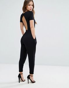 Browse online for the newest ASOS DESIGN Petite wrap front jersey jumpsuit with short sleeve styles. Shop easier with ASOS' multiple payments and return options (Ts&Cs apply). 30 Outfits, Classy Outfits, Casual Outfits, Fashion Outfits, Fashion Tips, Women's Fashion, Mode Streetwear, Streetwear Fashion, 30th Birthday Outfit Ideas For Women