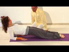 Ein K O M P L E T T E R      Y O G A K U R S mit Sukadev Bretz in mehreren Sequenzen.  Teil I  http://mein.yoga-vidya.de/yoga-anfaengerkurs-video  Weitere Teile folgen