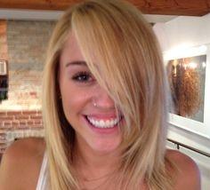 Miley Cyrus blonde hair. Shoulda stuck with this look.