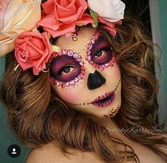 half my face as a skull! Halloween Makeup Sugar Skull, Haloween Makeup, Sugar Skull Makeup, Halloween Makeup Looks, Halloween Looks, Costume Makeup, Spooky Halloween, Halloween Party Costumes, Halloween Outfits