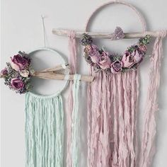 Large Dried Flowers Dreamcatcher Boho Dream by MeadowandMoss Fun Crafts, Diy And Crafts, Arts And Crafts, Paper Lace, Dream Catcher Boho, Hanging Art, Bohemian Decor, Dried Flowers, Sewing Crafts