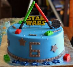 Lego Star Wars cake - Star Wars Cake - Ideas of Star Wars Cake - Lego Star Wars cake Lego Star Wars, Theme Star Wars, Star Wars Party, Bolo Lego, Lego Cake, Lego Starwars Cake, Cake Minecraft, 4th Birthday Cakes, Star Wars Birthday