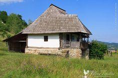 Muzeul Loviştei - Google Search Turism Romania, Transylvania Romania, Vernacular Architecture, Bude, Design Case, Beautiful Buildings, Home Fashion, Traditional House, Old Houses