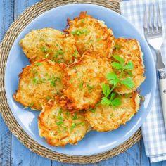 Sajtos lepcsánka (tócsni) Receptek a Mindmegette. My Recipes, Cake Recipes, Cooking Recipes, Healthy Recipes, Healthy Meals, Potato Pancakes, Hungarian Recipes, Cauliflower, Side Dishes