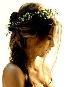 Floral crown to accent