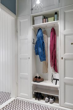 Hallway storage ideas entryway built ins trendy Ideas Basement Storage Shelves, Wardrobe Storage Cabinet, Alcove Storage, Storage Spaces, Storage Ideas, Home Design Decor, Home Office Design, Interior Design, Home Decor