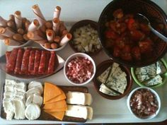 Raclette party entre amis Raclette Recipes, Raclette Party, Shabu Shabu, Canadian Food, Fondue, Yummy Food, Restaurant, Beef, French