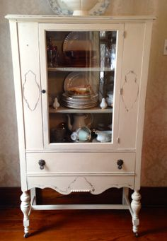 Painted Furniture cabinet Furniture No Sanding - China Cabinet Gets a New Lease on Life. China Cabinet Makeovers, China Cabinet Redo, Vintage China Cabinets, Painted China Cabinets, Antique Cabinets, Antique Hutch, Dresser Makeovers, Curio Cabinets, Linen Cabinets