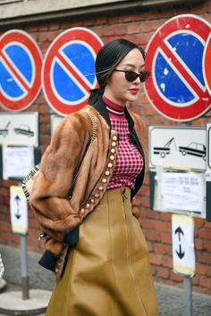 The Best Street Style From Milan Fashion Week 2018 Cool Street Fashion, Look Fashion, Teen Fashion, Korean Fashion, Winter Fashion, Fashion Design, Womens Fashion, Ladies Fashion, Fashion Outfits