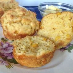 Sweetcorn muffins can be served warm or cold, tasty either way. The sweetcorn muffins go great with soups too. They will keep for 3 days in a sealed container and can be frozen for one month. Muffin Recipes, Cake Recipes, Snack Recipes, Savory Muffins, Savory Snacks, Tasty, Yummy Food, Vegetarian Cheese