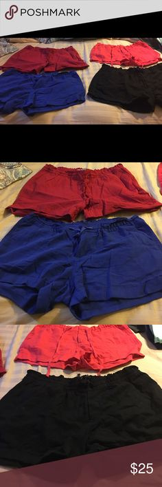4 pair of old navy linen shorts.   Size 10 Red, royal blue, coral and black linen shorts from old navy.  In great condition. Only wore once.  Lost weight and they r to big Old Navy Shorts