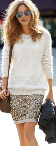 sweater with sequin skirt. I have been wondering how to wear a glizy skirt in a … sweater with sequin skirt. I have been wondering how to wear a glizy skirt in a more casual way. Would be a cute Christmas Day outfit. Looks Street Style, Looks Style, Style Me, Carrie Bradshaw, Cool Sweaters, White Sweaters, Look Fashion, Fashion Beauty, High Fashion