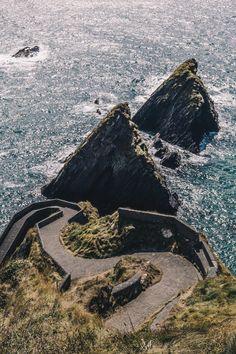 slea-head-drive-dunquin-harbour-hellotravelersblog Destinations, Routes, Mount Rainier, Ireland, Articles, Mountains, Nature, Travel, Landscape