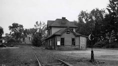 Railroad station in Litchfield, Connecticut, after 1948