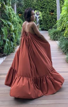 This rustic maxi dress is captivating! Super comfy and flowy. Perfect for any getaway or just slayful dress for brunch! Classy Outfits, Chic Outfits, Fashion Outfits, African Fashion Dresses, African Dress, Maxi Outfits, Maxi Dresses, 1950s Dresses, Casual Dresses