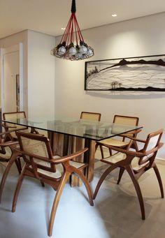 Decoração de: Sala de jantar; mesa de jantar tampo de vidro; Casa de Valentina