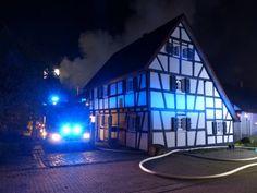 Feuerwehr löscht Brand in Fachwerkhaus in Lohmar- Kölner Stadt-Anzeiger