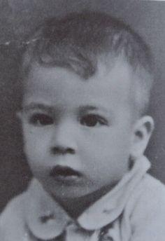 (08/10/1939) Pare Kediri, Indonesia  (04/03/1944) illness in Japanese Camp in Semarang, Indonesia  4 years old