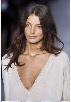 Best HairStyles For 2017/ 2018   Beautiful Hair messy wavy centre part. Simple and perfect