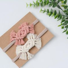 Your place to buy and sell all things handmade Macrame Headband, Boho Headband, Organizing Hair Accessories, Bride Hair Accessories, Boho Accessories, Macrame Art, Macrame Projects, Baby Dekor, Diy Accessoires