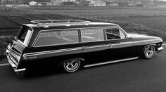 1962 Impala wagon. Have one. Husband re-built everything, bagged it, and gave it to me for our anniversary.