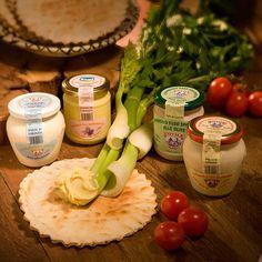 Crema di formaggio vari gusti, ideale da spalmare su Pane Carasau o sulle Gallette di Bosa, da servire tra gli antipasti oppure come sfizioso aperitivo.