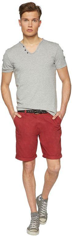 Chino-Bermuda für Männer (unifarben) aus Twill, mit seitlichen Einschubtaschen, Backpockets mit Knöpfen. Material: 100 % Baumwolle...