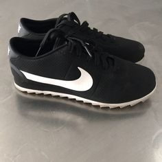 brand new 47407 ba26b Nike Shoes   Nike Cortez Ultra Size 6.5, Gently Used.   Color  Black White    Size  6.5