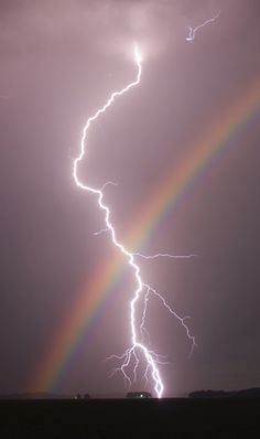 Nature doin it's own thing. This is also on my lightning board. Rainbows and lightning in one pic, had to go on both boards. Look Wallpaper, Iphone Background Wallpaper, Aesthetic Pastel Wallpaper, Aesthetic Backgrounds, Galaxy Wallpaper, Nature Wallpaper, Aesthetic Wallpapers, Wallpaper Desktop, Amazing Wallpaper