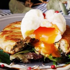 Tuna patty with egg