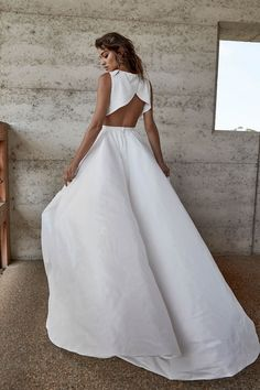 Parker Skirt + Top | One Day Bridal | CHOSEN – New Reign Collection 2018 | A full wrap skirt with front split and pockets. Available on it's own or with the Lo top or Bandeau.