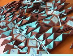PLIAGE DE SERVIETTE - VAL ELLE RIT Gift Wrapping, Gifts, Deco, Table, Image, Noel, Glamour Nails, Kitchens, Napkins