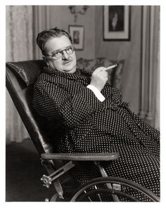 """To Alexander Woollcott, the White House was the """"best theatrical boarding house in Washington."""" To his hostess, First Lady Eleanor Roosevelt, Woollcott was """"a p. Algonquin Round Table, Harpo Marx, Eugene O'neill, Dorothy Parker, Dramatic Arts, Radio Personality, New Comedies, Mystery Novels"""