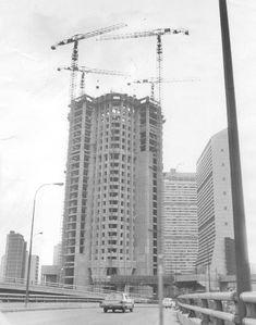 Contruccion de la Torres de Parque Central 1979.