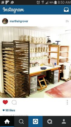 creative use of small space in a studio Pottery work space, pottery workshop, pots, ceramic pots Studio Layout, Art Studio Design, Art Studio At Home, Home Art, House Studio, Studio Setup, Pottery Workshop, Ceramic Workshop, Pottery Studio