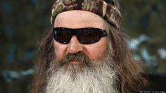 """Bobby Jindal, Sarah Palin defend """"Duck Dynasty"""" star Phil Robertson's anti-gay comments, say it is a threat to freedom of speech."""