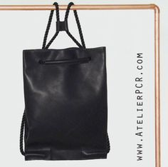 AtelierPCR FoldedPack Black leather info@atelierpcr.com www.atelierpcr.com ©P.C.R.