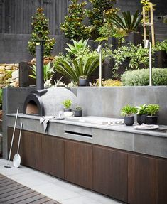 Outdoor Kitchen Ideas on a Budget (Affordable, Small, and DIY Outdoor Kitchen Id… Balkon – Home Decoration Outdoor Bbq Kitchen, Pizza Oven Outdoor, Outdoor Kitchen Design, Outdoor Kitchens, Outdoor Cooking Area, Outdoor Barbeque, Rustic Outdoor, Armoire Design, Built In Grill