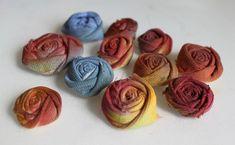 Riciclo creativo Tutorial fiori tessuto: come trasformare un paio di pan...