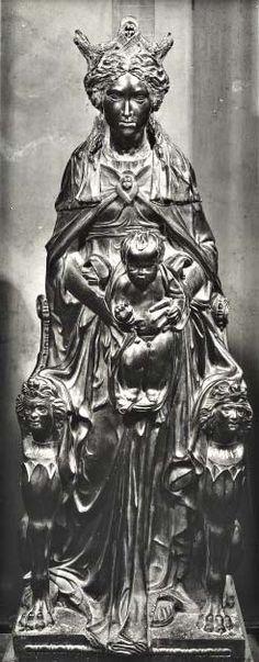 """Donatello, vero nome Donato di Niccolò di Betto Bardi (Firenze, 1386 – Firenze 1466), """"Madonna col Bambino"""",1447-1450. Statuabronzo159Italia ItaliaPadovabasilica di Sant'Antonio da Padovaparte della Altare della basilica del Santo"""