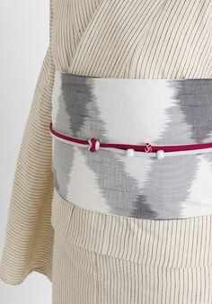 前帯柄 Kimono Outfit, Kimono Fashion, Fashion Outfits, Womens Fashion, Japanese Clothing, Japanese Outfits, Traditional Japanese Kimono, Kimono Design, Wedding Kimono