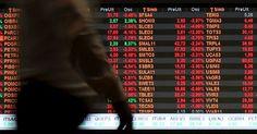 Bovespa fecha em queda e Petrobras retorna ao menor valor desde 2004