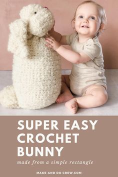 Free Crochet Bunny Pattern for Beginners - - You won't believe how easy this free crochet bunny pattern is until you try it yourself. Made from a simple rectangle, you'll be able to finish this beginner crochet rabbit in a couple of hours. Fast Crochet, Simply Crochet, Crochet Baby, Beginner Crochet, Holiday Crochet Patterns, Modern Crochet Patterns, Crochet Patterns For Beginners, Crotchet Patterns, Crochet Tutorials