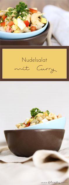 Dieser Nudelsalat mit feinem Curry-Aroma ist das perfekte Partyfood! Schnell zubereitet ist er eine Gaumenfreude für Groß und Klein. #curry #nudeln #salat