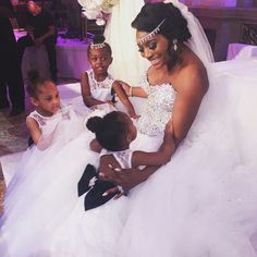 Yandy and her flower girls at her wedding... BEAUTIFUL !!!!