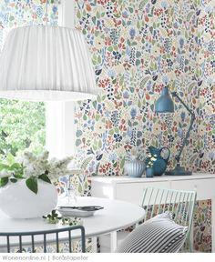Floral wallpaper. Zweeds behangmerk Boråstapeter betreedt Nederlandse markt met tijdloze design historie