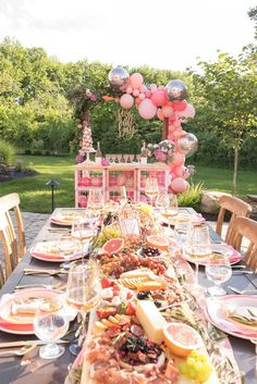 Rose All Day Party by One Stylish Party, Pink balloon arch, peony floral arrangement, milk crate bar, pink dinner party. Decoration Birthday, Brunch Party Decorations, Birthday Brunch, Birthday Dinners, Party Fotos, Bachelorette Party Themes, Pink Bachelorette Party, Mothers Day Brunch, Pink Balloons
