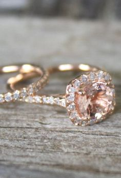 Morganite Engagement Ring Set in Rose Gold Halo Diamond Setting. Love the look of morganite and rose gold! Bling Bling, The Bling Ring, Pink Ring, Rose Gold Ring Set, Rose Gold Engagement Ring, Engagement Ring Settings, Wedding Engagement, Nontraditional Engagement Rings, Cute Engagement Rings